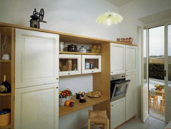 Mobili Cucina Legno Massello : Stile antico progettazione e realizzazione di mobili su misura